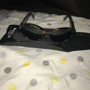 Kenneth Cole sunglasses brown tiger color.😎